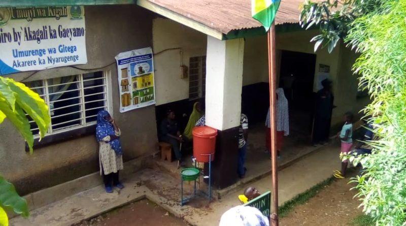 Ya nkunga y'ibiryo yo guhangana na Coronavirus,iri gushwanisha abaturage n'abayobozi