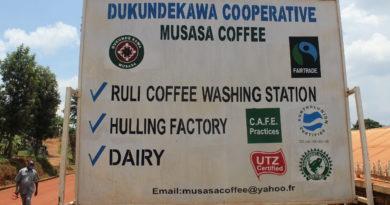 Abanyamuryango ba Koperative Dukundekawa Musasa bagenewe inkunga izabafasha kuzamura umusaruro wabo wa Kawa.