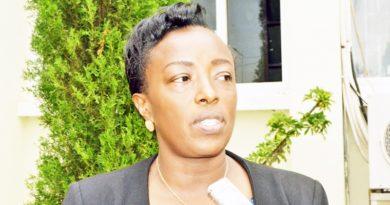 Rubavu:Ritararenga Ismael arasaba leta kurenganurwa  ku mutungo yambuwe na Nyirandabaruta Martha afashijwe n'umuyobozi Mukuru w'Ikigo gishinzwe imicungire n'imikoreshereze y'ubutaka mu Rwanda Mukamana Esperance.
