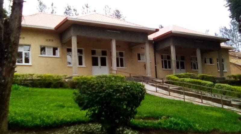 Bimwe mu bikorwa  by'ubucuruzi bya Croix-Rouge Rwanda biyunganira mu gufasha abababaye kurusha abandi